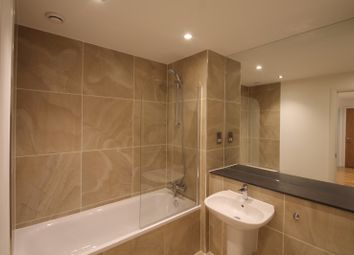 Thumbnail 1 bed flat to rent in Lansdowne Road, East Croydon