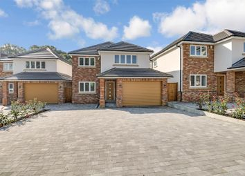 Main Road, Kingsleigh Park Homes, Benfleet SS7. 5 bed detached house