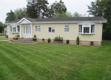 Thumbnail 2 bed mobile/park home for sale in Bluebell Woods, Ely Road (5920), Waterbeach, Cambridge, Cambridgeshire
