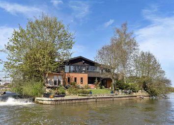 Thumbnail 5 bed property for sale in Ham Island, Old Windsor, Windsor