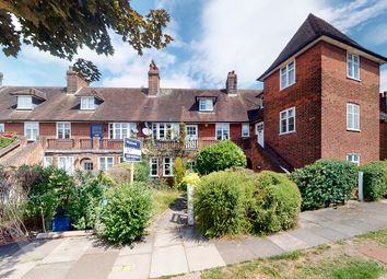 Thumbnail Maisonette to rent in Addison Way, Hampstead Garden Suburb