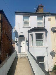 2 bed maisonette to rent in Stoke Road, Slough SL2