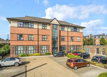 Thumbnail 2 bedroom flat for sale in Great North Road, Brookmans Park, Hatfield