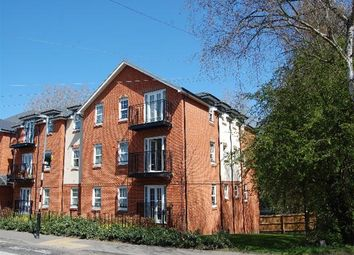 Thumbnail 2 bed flat to rent in Station Road, Harpenden