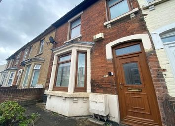 3 bed terraced house to rent in Cricklade Road, Swindon SN2