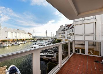 Thumbnail 2 bedroom flat for sale in Lake Avenue, Hamworthy, Poole