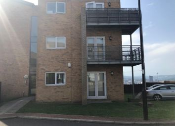 2 bed flat to rent in Kenninghall View, Sheffield S2