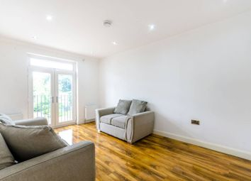 Thumbnail 3 bedroom flat to rent in Gordon Road, Carshalton Beeches
