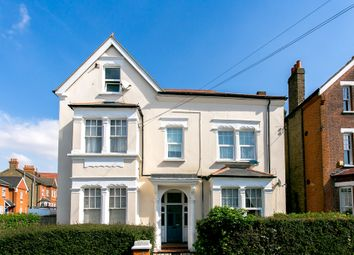 Thumbnail 2 bed flat to rent in Gleneldon Road, London