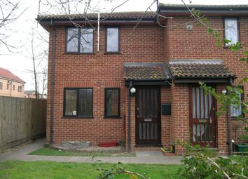 Thumbnail 1 bedroom property to rent in Mountbatten Close, Slough