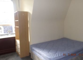 Thumbnail 3 bedroom flat to rent in Seagate, Dundee