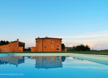 Thumbnail 4 bed farmhouse for sale in Sp146, Pienza, Tuscany