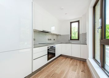 Old Ford Road, London E3. 1 bed flat