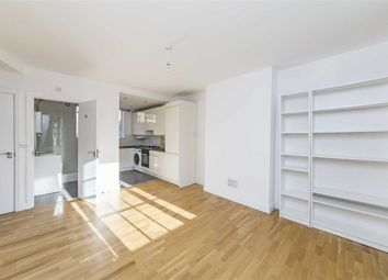 Thumbnail 3 bed flat to rent in Upper Street, London