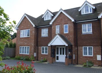 Thumbnail 2 bed flat to rent in Cherry Tree Road, Beaconsfield