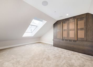 Thumbnail 3 bed flat to rent in Pinks Mews, Holborn