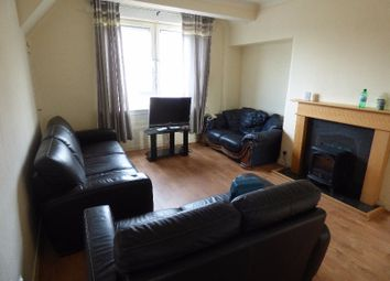 Thumbnail 3 bed flat to rent in Hyvots Bank Avenue, Gilmerton, Edinburgh