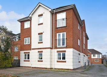 Thumbnail 2 bedroom flat for sale in London Road, Thatcham