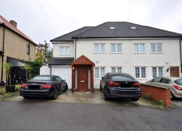 Thumbnail 5 bed property to rent in Kenilworth Avenue, Romford