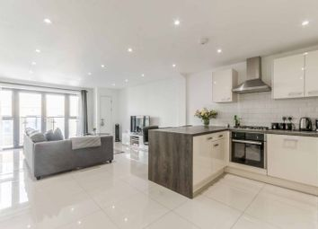 Thumbnail 4 bed flat to rent in Cosmos Apartments, Canary Wharf, London