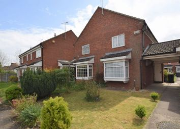 2 bed property for sale in Howard Close, Luton LU3