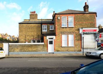 Thumbnail 3 bed flat to rent in Gosberton Road, Balham