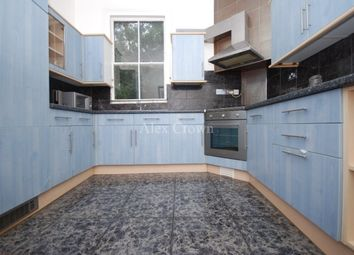 Thumbnail 4 bed flat to rent in Fonthill Road, London