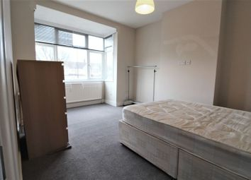 Thumbnail Room to rent in Walpole Road, London