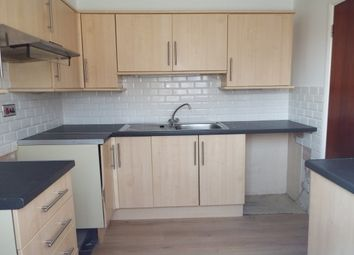 2 bed flat to let in Salesbury Drive