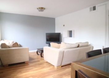 3 bed shared accommodation to rent in West Hill Road, Southfileds, Sw 18 SW18