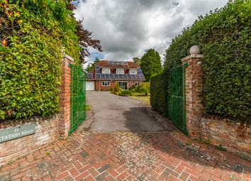Station Road, Netley Abbey SO31. 4 bed detached house