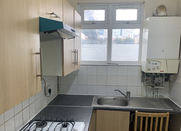 2 bed flat to rent in Bigland Street, London E1