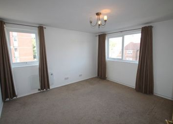 2 bed flat to rent in Porchester Mead, Beckenham BR3