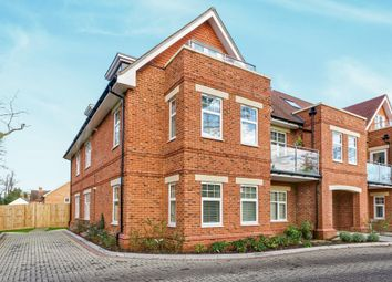 Thumbnail 2 bed flat to rent in St. Marks Road, Binfield, Bracknell