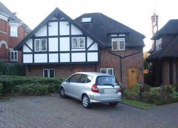 Thumbnail 3 bed flat to rent in Cockfosters Road, Hadley Wood, Hertfordshire