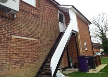 Thumbnail 1 bed flat to rent in Pixmore Avenue, Letchworth Garden City