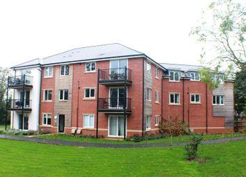 Thumbnail 2 bedroom flat for sale in Cavendish Drive, Locks Heath, Southampton