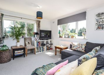 Thumbnail Flat for sale in Heathfield Road, London