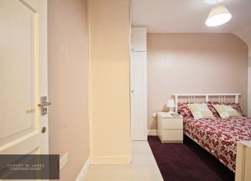 Thumbnail Room to rent in Burnham Road, Dagenham