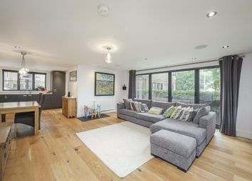 4 bed semi-detached house to rent in Redriff Road, London SE16