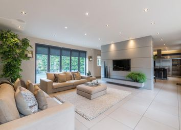 Thumbnail 4 bed detached house to rent in Green Lane, Cobham
