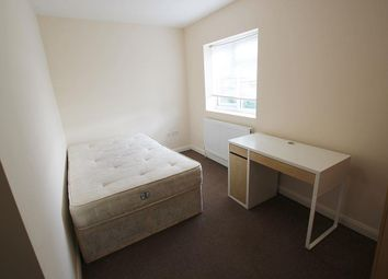 Thumbnail Room to rent in West Wycombe Road, High Wycombe
