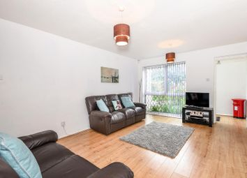Thumbnail 2 bedroom property to rent in Cleave Avenue, Hayes, Middlesex
