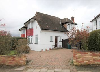 Thumbnail 2 bed detached house for sale in Warwick Avenue, Edgware
