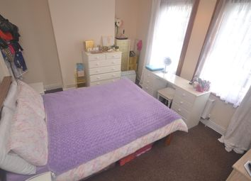 Thumbnail 1 bed flat to rent in Norris Road, Earley, Reading