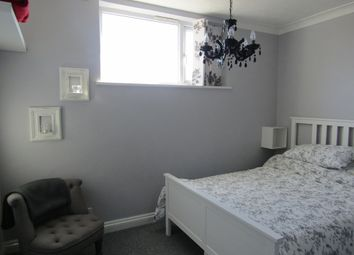 Thumbnail 1 bedroom flat for sale in Victoria Road North, Southsea