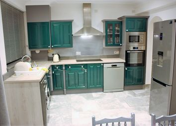 Thumbnail 1 bed flat to rent in Woodfield Road, Leigh-On-Sea, Essex