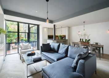 2 bed flat for sale in Earls Court Square, Earls Court, Kensington & Chelsea SW5