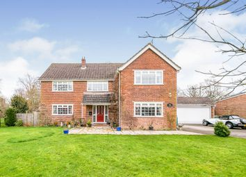 4 bed detached house for sale in Fieldgate Close, Monks Gate, Horsham RH13