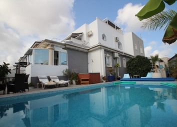 Thumbnail 4 bed town house for sale in La Siesta, Torrevieja, Spain